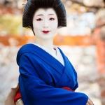 119-Kyoto-Geiko-Portrait-Cherry-Blossom